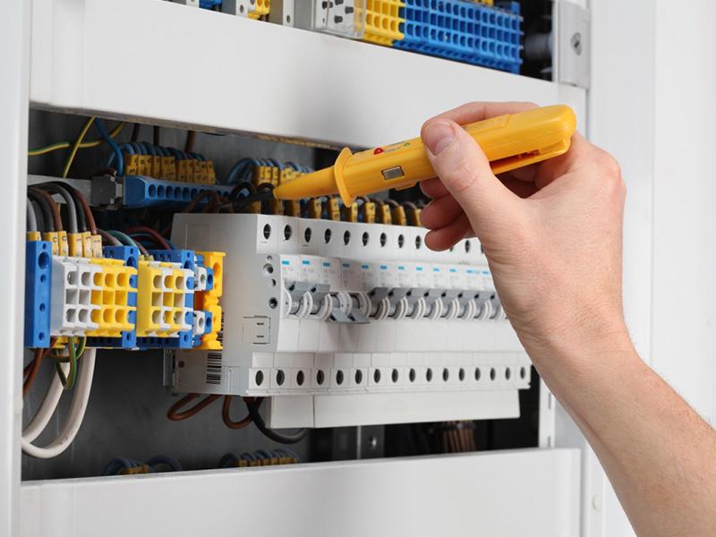 servizio-impianti-elettrici-rimini-riccione