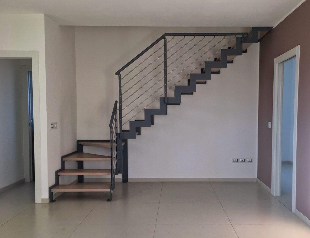 Appartamento in vendita a Rimini disposto su due livelli con ampio terrazzo